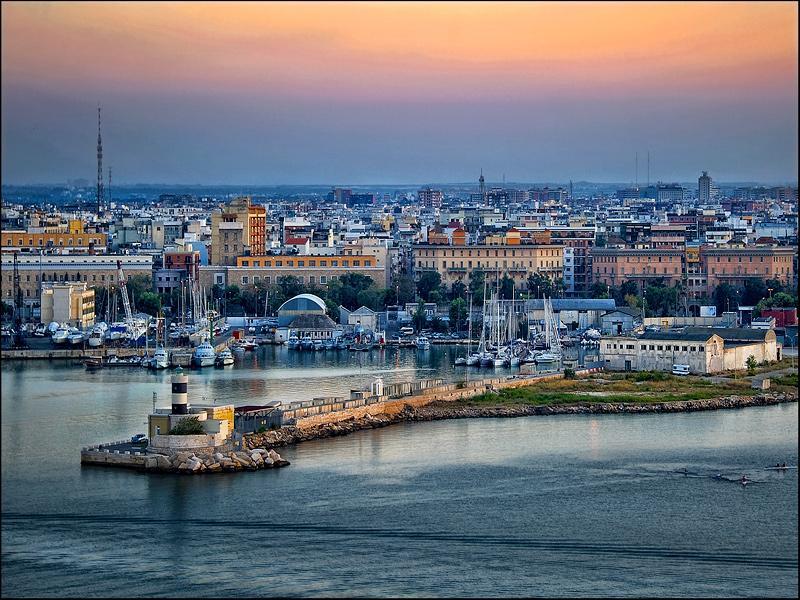 Immagine di Bari, la Puglia e il Medioevo che non ti aspetti